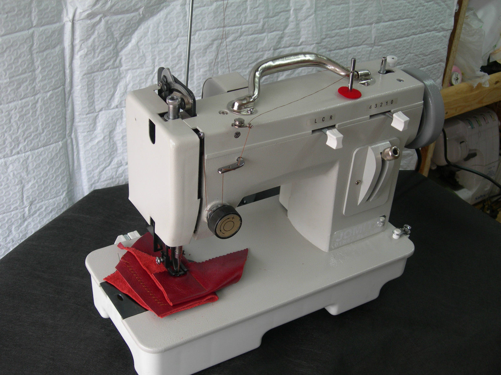 portable industrial sewing machine